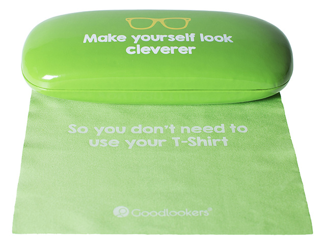 Slogan Case Green Cloth